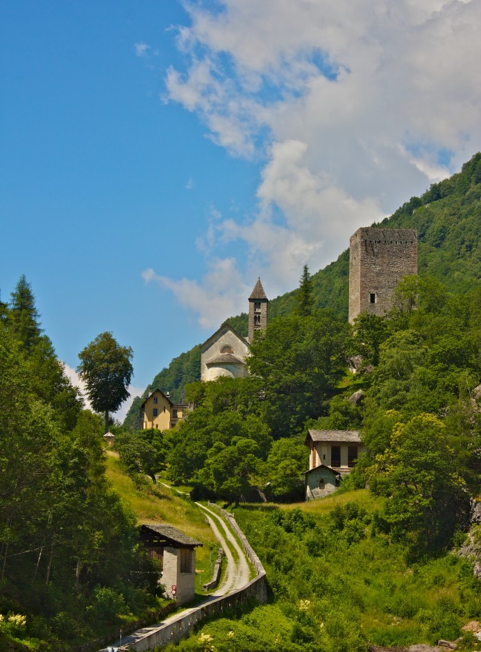 Burg Castelmur