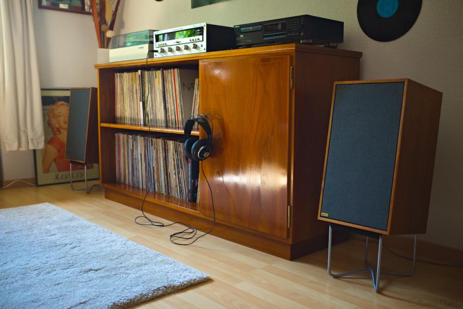 Vintage-Hifi-Marantz-2238-Dynaco-M25x-AKG-K240-ListeningRoom 1