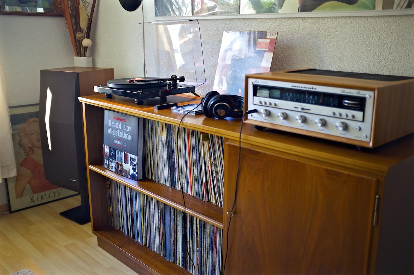 Plattenspieler-Music-Hall-mmf2.2-Vintage-Hifi-Setup-Vinyl-Recordplayer 15