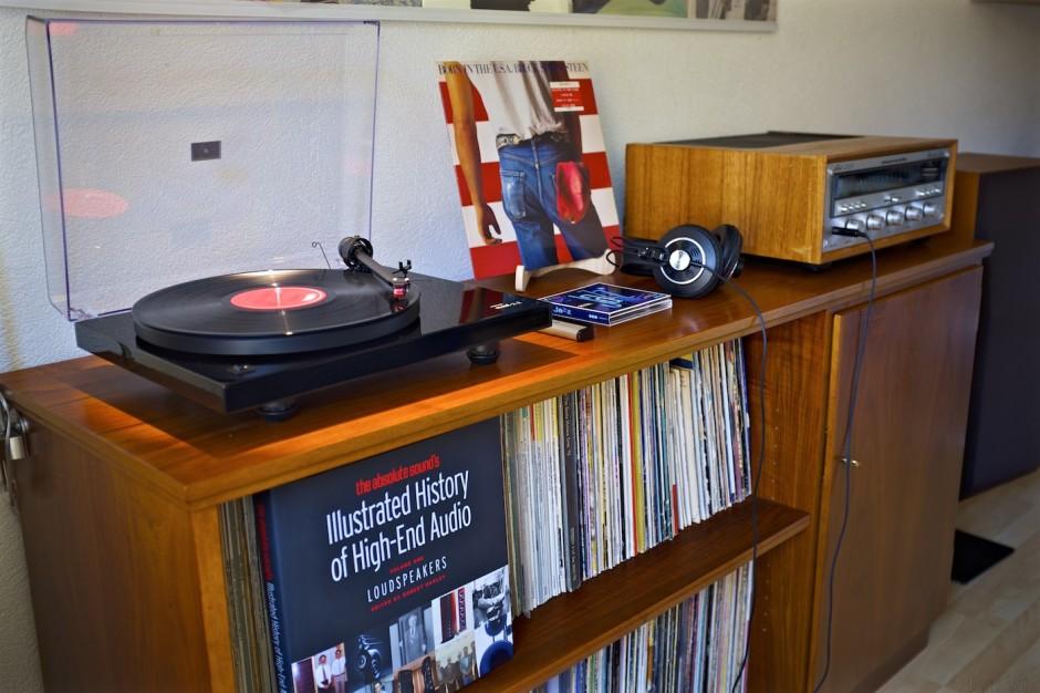 Plattenspieler-Music-Hall-mmf2.2-Vintage-Hifi-Setup-Vinyl-Recordplayer 16
