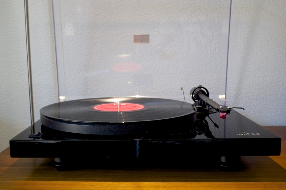 Plattenspieler-Music-Hall-mmf2.2-Vintage-Hifi-Setup-Vinyl-Recordplayer 5